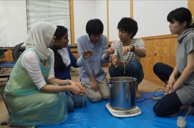 http://www.shinshu-u.ac.jp/faculty/agriculture/environment/activity/earthcafesummer_2.jpg