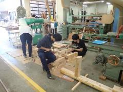 H30年度木材工学演習:ノミを用いた接合部分の加工作業