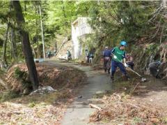 用水路の整備作業