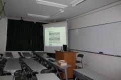 待合室:過去に起きた地震の映像資料(消防庁提供)