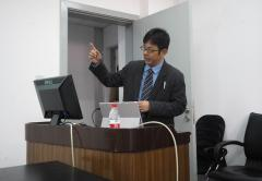 松島准教授による研究発表