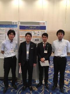 左から 片山准教授、中村教授、鈴木さん、三谷助教