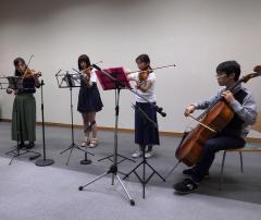 信州大学交響楽団による演奏が行われました