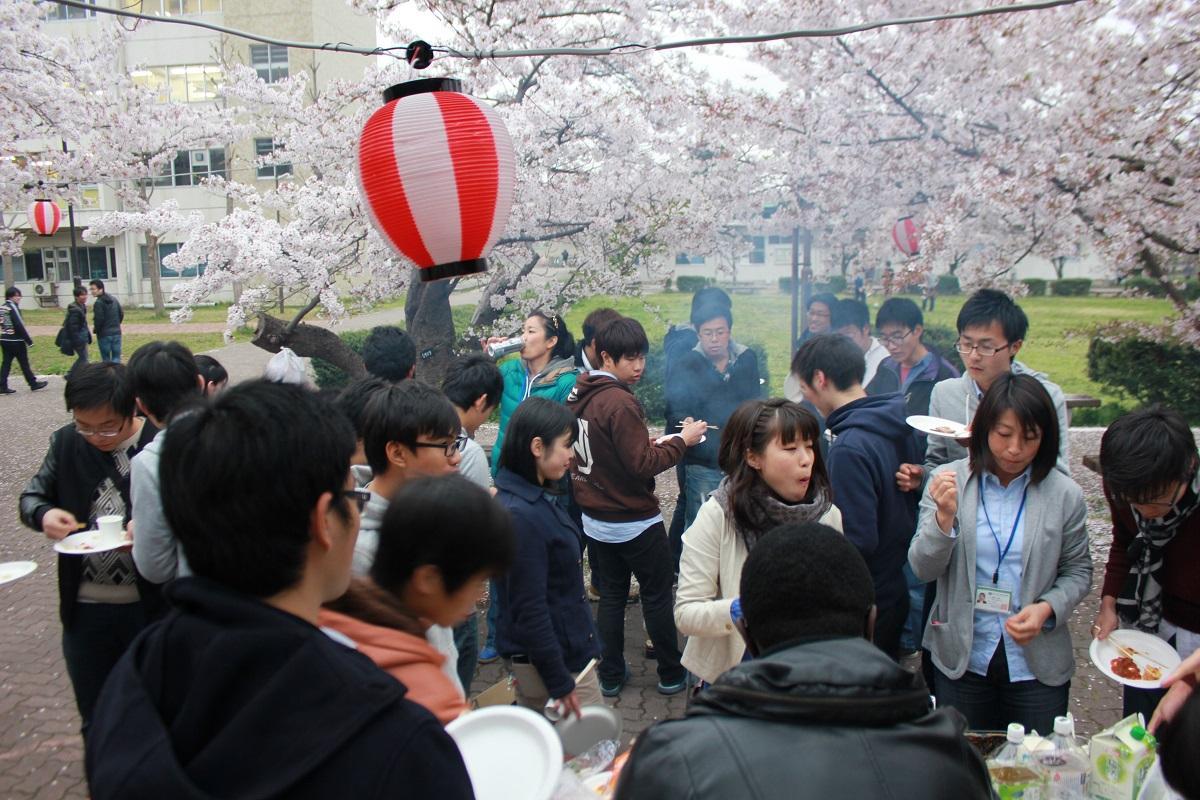 http://www.shinshu-u.ac.jp/faculty/engineering/international_2017/images/20140418_1.jpg