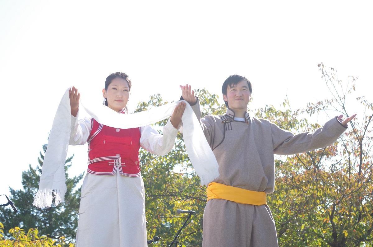 http://www.shinshu-u.ac.jp/faculty/engineering/international_2017/images/ifashionshow14_img02.jpg