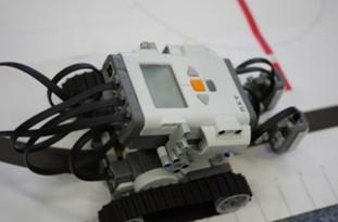 ライントレーシングロボットの安全性検証