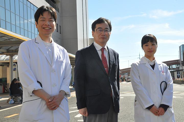左からT.Tさん、多田剛センター長、M.Kさん
