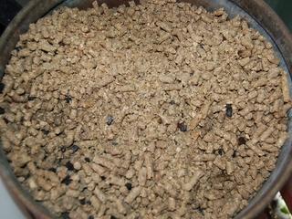 キノコ廃培地利用のペレット