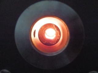 ペレットボイラーの炉の状況がわかる窓
