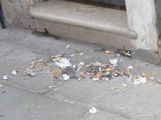 ポイ捨てのゴミ