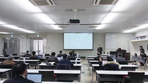 教室 (2)_1.jpg