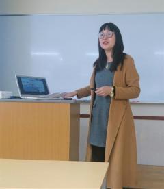 四川農業大学の紹介をする 李講師