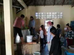 酒造農家に教わり酒造りや聞き取り調査を実践
