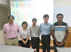 国際植物遺伝資源セミナー、左から松島准教授、Yen研究員、Kien研究員、近藤さん、座長 サンギートさん(博士課程2年)
