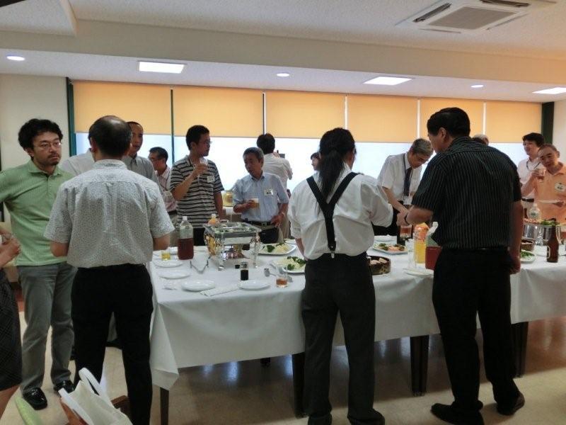 http://www.shinshu-u.ac.jp/faculty/arts/support/assets_c/2011/08/CIMG0113-thumb-800x600-30350.jpg