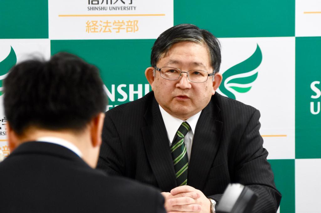 http://www.shinshu-u.ac.jp/faculty/econlaw/topics/20170111yamaoki01.jpeg