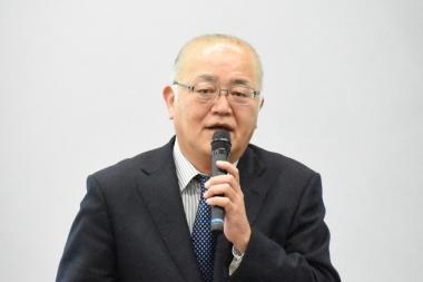 岡崎直人氏