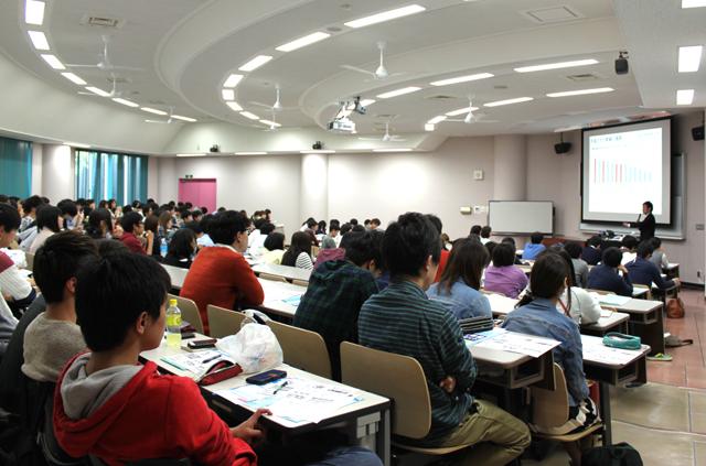153名の学生が参加
