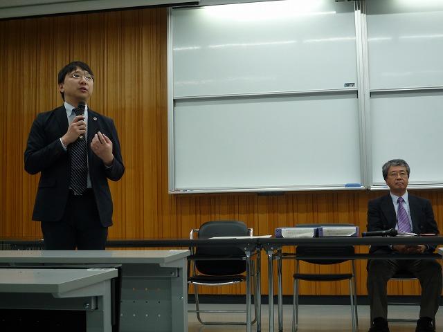 http://www.shinshu-u.ac.jp/faculty/econlaw/topics/images/s-271005%E7%8F%BE%E6%B3%952_2%E5%8F%B3_%E4%BA%BA%E7%89%A9.jpg
