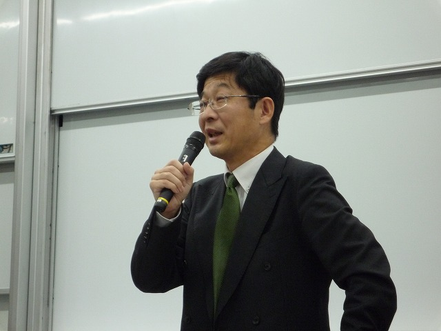 http://www.shinshu-u.ac.jp/faculty/econlaw/topics/images/s-271019%E7%8F%BE%E6%B3%952_2%E5%8F%B3_%E4%BA%BA%E7%89%A9.jpg