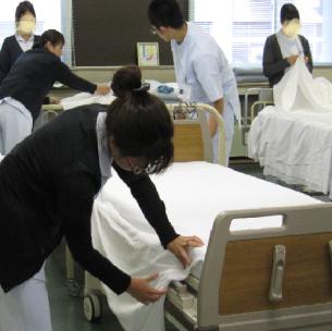 看護方法論Ⅰ: ベッドメーキング演習.JPG