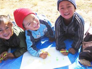 ネパール:プログラム参加の保育園のこどもたち.JPG