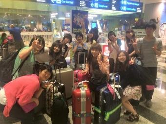夏季シンガポール短期研修は、学びに観光に、10日間があっという間。5か月間のオリエンテーションを担当。.JPG