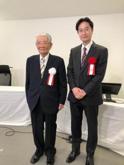 (左)日本リウマチ財団 理事長 髙久史麿 先生