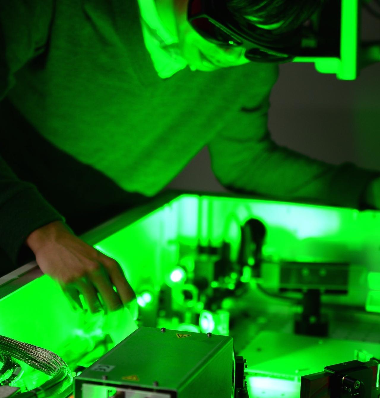 ・ユニークな光学特性の発見