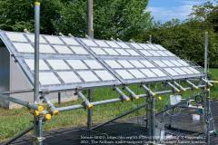 先鋭材料研究所の研究チームが開発した光触媒を使った100㎡規模の水素製造光触媒パネル反応システムの開発と実証実験に成功