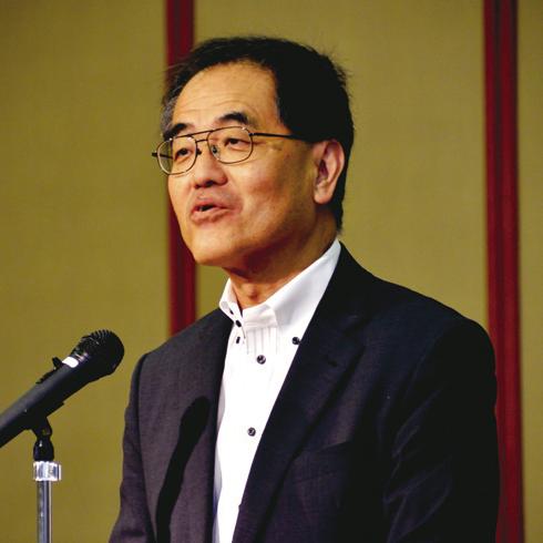 開会式であいさつする濱田州博信州大学長